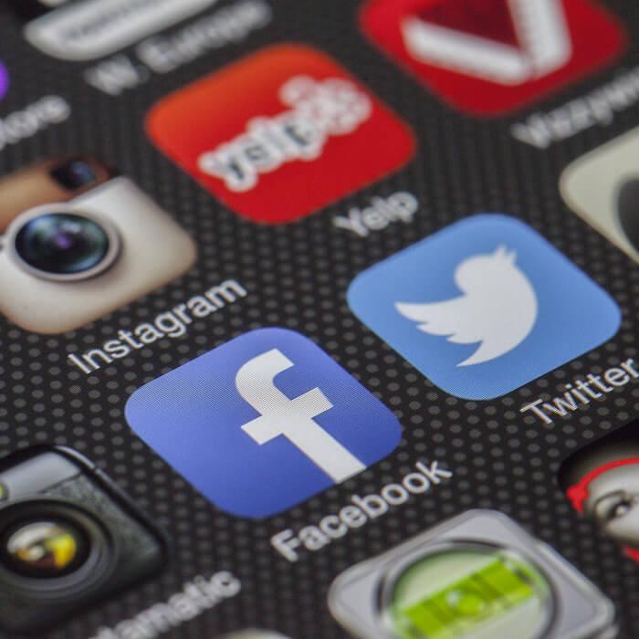 Couverture facebook, image d'en-tête twitter ou bannière youtube réalisée par iKeviin