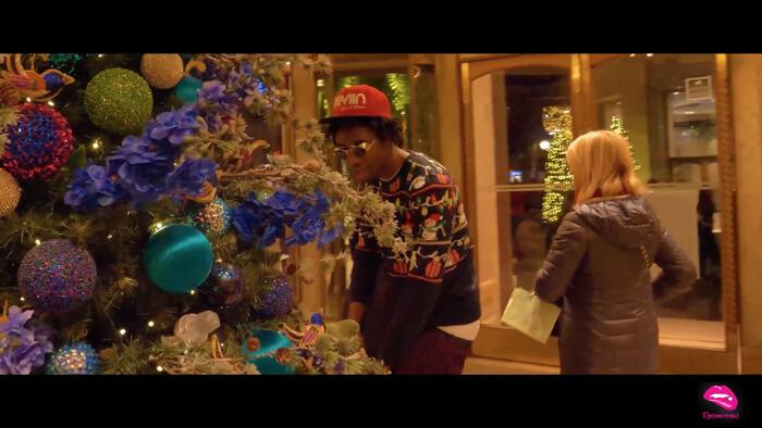 SaintRozDicyPimpy - Père Noël sert les cadeaux (Clip officiel) sur iKeviin