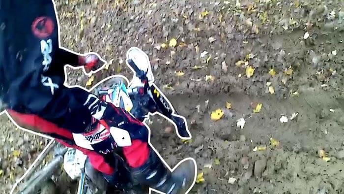 Sortie en enduro sur le sedannais avec une chute filmé par Kevin de Sousa